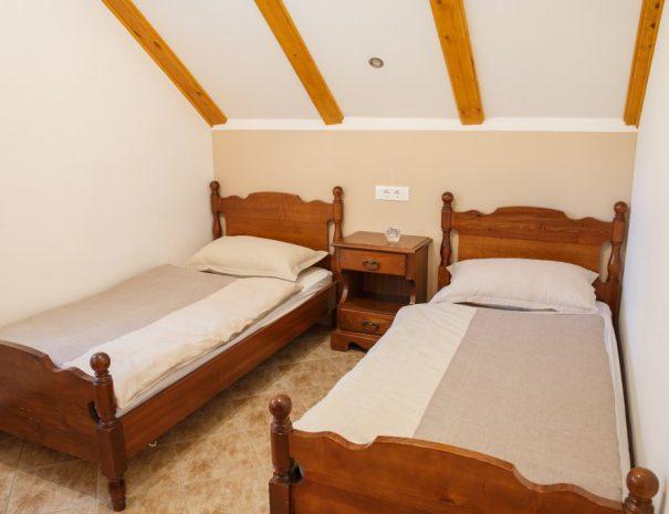 na-biru-1-single-bed